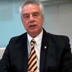 Dr. Fernando Cabrera