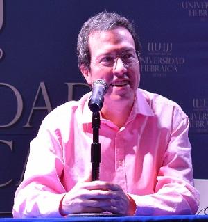 Dr. Renato Huarte Cuéllar